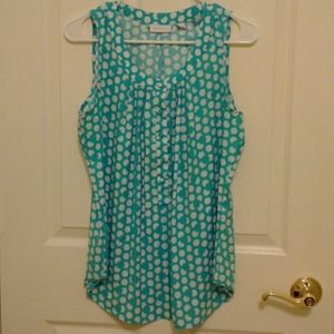 A lady's top in good condition size M